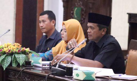 Guru Honorer Hearing ke DPRD