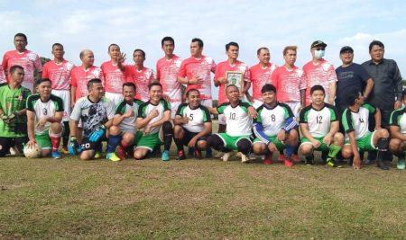 DPRD Sambas Sparing Sepakbola dengan DPRD Kota Singkawang