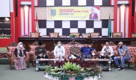 Sekretariat DPRD Gelar Silaturahmi Pelepasan Purna Tugas Sekwan Ernawati